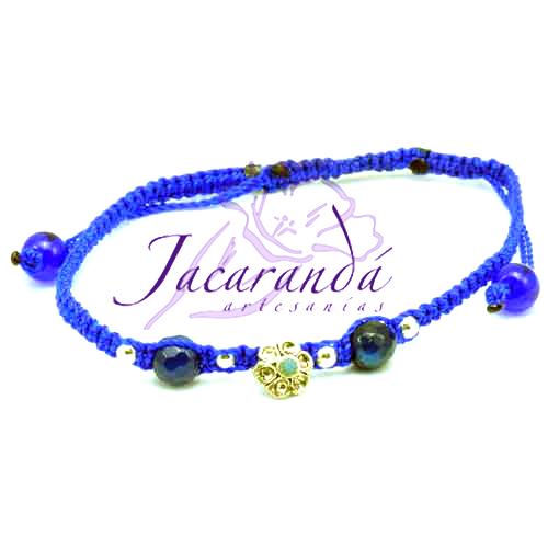 Pulsera macramé azul centro piedras ágatas azul, flor miniatura