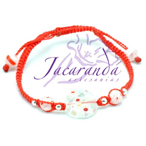 Pulsera macramé rojo, centro murano blanco, componentes plata