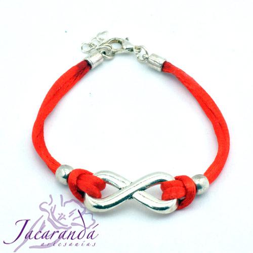 Pulsera hilo de seda rojo centro Infinito