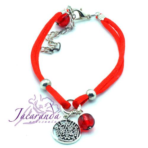 Pulsera de cordon de seda rojo con medalla de Tetragrammatron