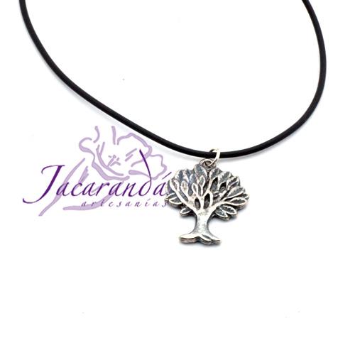 Colgante Árbol de la vida con cordon de caucho negro