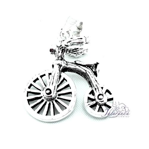 """Colgante de Plata Bicicleta vintage """"Las ruedas giran"""""""