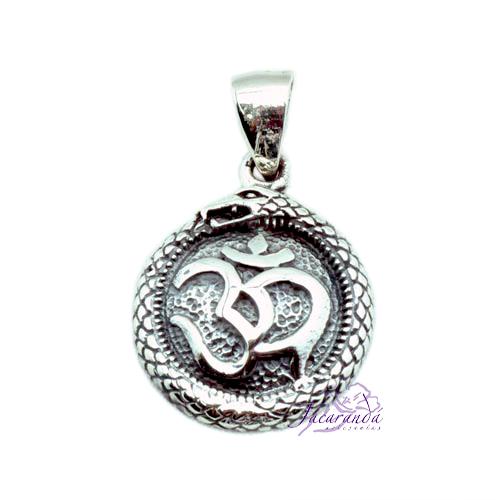 Colgante de Plata Amuleto del OM rodeado de Serpiente