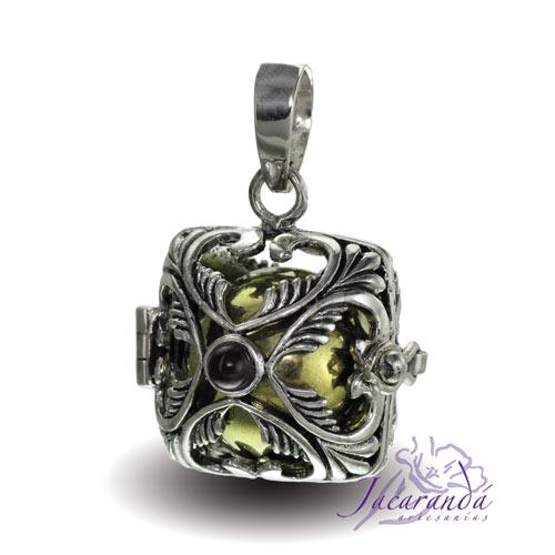Llamador de ángeles de plata cuadrado con flores 18 mm
