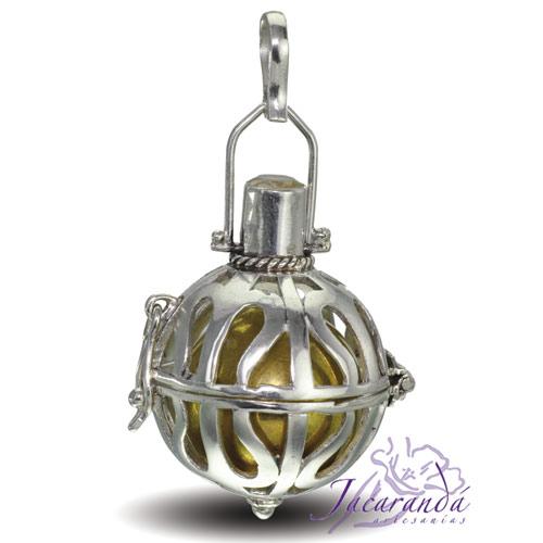 Llamador de ángeles de plata calada en 15 mm