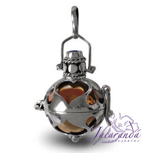Llamador de ángeles de plata calado con corazones en 25 mm
