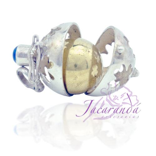 Llamador de ángeles de plata calada con diseño de trébol con piedra en 18 mm