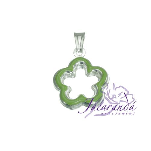 Colgante de Plata 925 con esmalte de color diseño Flor verde calada
